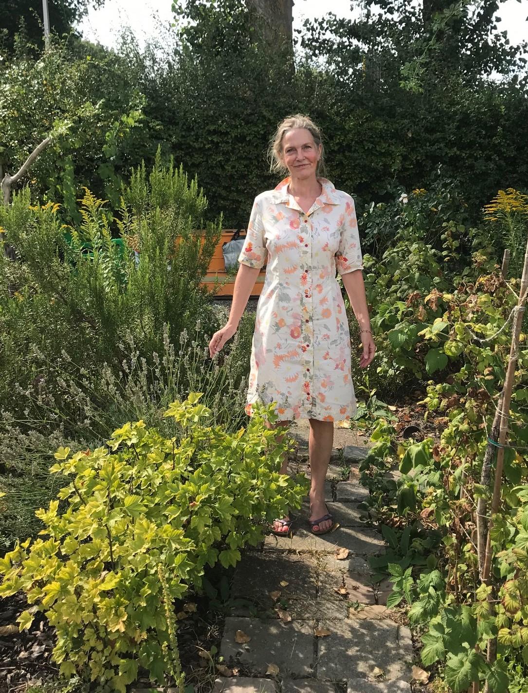 Trudi in tuin 1